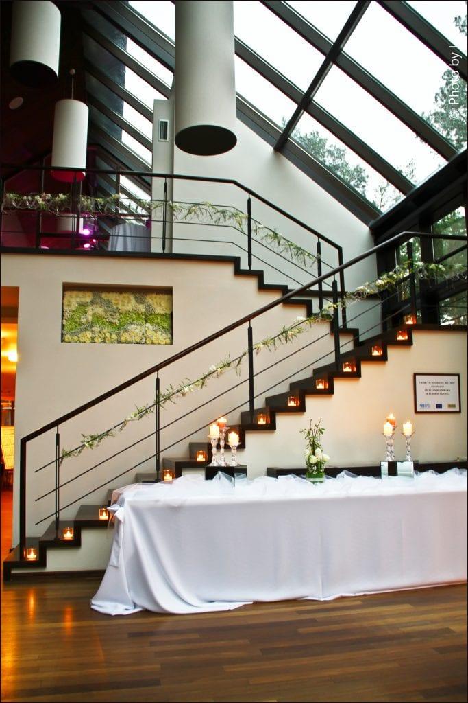 HORTUS-MAGICUS-Vestuvinis--salės-dekoras-