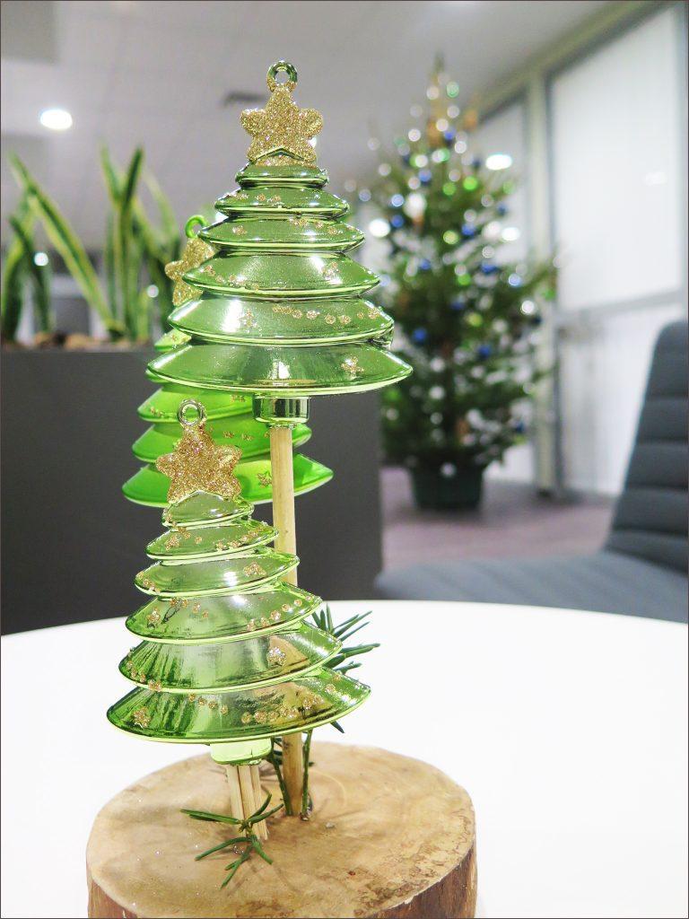 HORTUS-MAGICUS--Kaledos-.Eglutės--stalo-dekoras-biure.-Christmas-decoration.